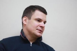 «Вы бы видели, с какими горящими глазами они приходят на тренировки!»: в Казани известный хоккеист набирает команду из детей-инвалидов