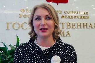 «Родителям пришлось бы платить репетиторам»: защитница детей из Татарстана спасла выпускников от обязательного ЕГЭ по иностранному
