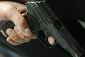 «Увидев пистолет, я подумал, что это переодетые бандиты»: в Казани водитель заявил, что его жестоко избили гаишники