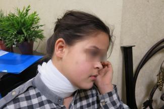 Мама казанской школьницы: «Учительница ударила мою дочь за то, что она кашляла на уроке»