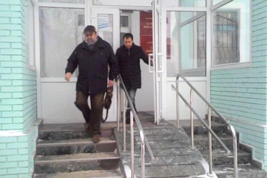 Экс-помощник прокурора Казани Динар Салахутдинов и  его адвокат Александр Коган