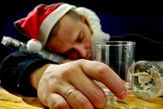 Лучше мало плохой водки, чем много хорошей: казанцам объяснили, как встретить Новый год и не умереть
