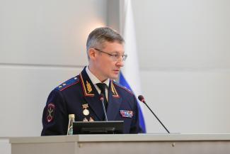 «Будем сносить голову!..»: главный полицейский Татарстана пригрозил опэгэшникам, ауешникам и ворам в законе