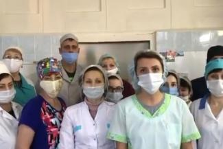 Медики психбольницы в Казани, недовольные «ковидными» выплатами, обвинили главврача в самоуправстве, а он их - в саботаже