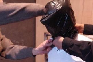 Новый пыточный скандал в Татарстане: «Всё, что я мог, — это кричать, когда полицейские снимали пакет с головы»