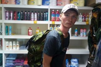 «Дурная голова ногам покоя не дает»: парень из Казани пошел пешком в Петербург