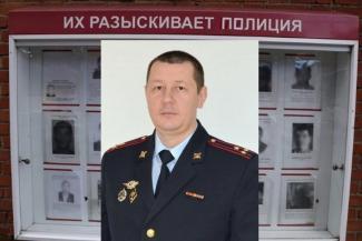 «Если сам не сдастся, никогда не поймают»: сбежавшего начальника отдела полиции Казани ищут всей страной