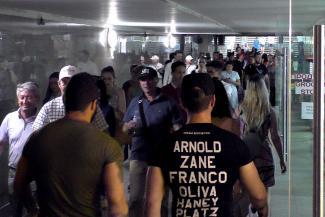 Осторожно, двери открываются!.. Стеклянные киоски в метро угрожают лбам казанцев
