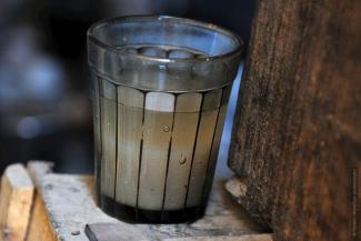 Сектанты поят казанцев «живой» водой с могильной землей