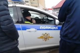 «Прекратите, товарищ инспектор!»: казанский юрист поймал с поличным гаишников, которые провоцируют водителей на нарушения