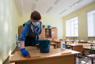 «Большинство родителей - за очное обучение, а учителям - здоровья!»: министр образования Татарстана объявил, что дистанционки и досрочных каникул не будет