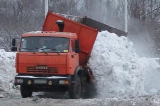 «Настучал» на 90 тысяч: жители Татарстана доносят на бутлегеров охотней, чем на снежные свалки
