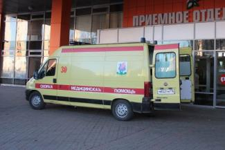«Спать некогда, есть некогда, а дали мизер!»: в Казани медики скорой возмущены несправедливой системой «коронавирусных» выплат