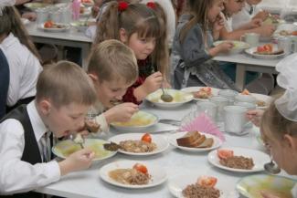 Короткие перемены портят казанским школьникам желудки