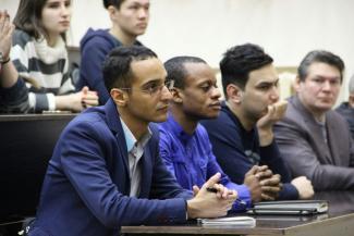 Иностранные студенты в Казани боятся выходить на улицу