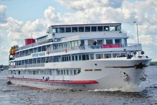 Приплыли: ковидный экипаж теплохода «Александр Суворов» не довез пассажиров до Казани