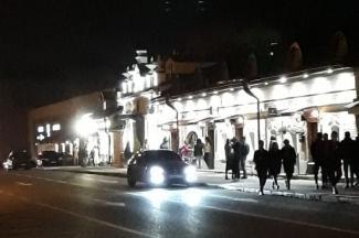 Нахлебаться в «Бункере», накачаться в «Волне»: на улице Профсоюзной в Казани по ночам не спят, а пьют