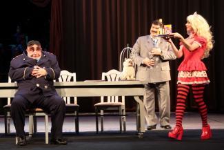 В Камаловском театре ищут таблетки от коррупции