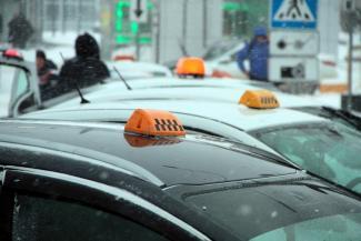 «Дешевле, чем на автобусе»: казанские таксисты грозятся устроить себе массовый выходной