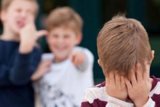 «Сам виноват, что тебя били»: к травле школьников в Татарстане подключаются учителя