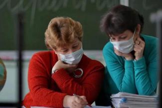Учителей в Татарстане просят обеспечить масками и избавить от ненужных отчетов