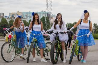 Городки, велодевичник и «Волга-Волга»