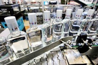 Столько не выпьем: Татарстан рискует потерять миллиарды от производства водки, надежда – на потребление