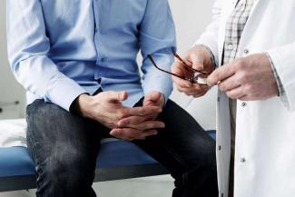 А мужики-то не знают: казанский профессор медицины предупреждает, что простатит - это не сопли