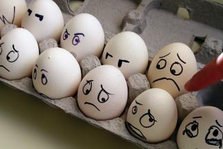 Все дело в яйцах, или Как человек-бренд Махеев разочаровал бизнес-партнеров