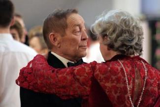 Казанские пенсионеры-жизнелюбы требуют открыть для них клуб знакомств