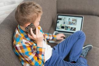 «Иногда подростки используют страх взрослых для того, чтобы управлять ими»: почему после трагедии в Казани дети играют в террористов