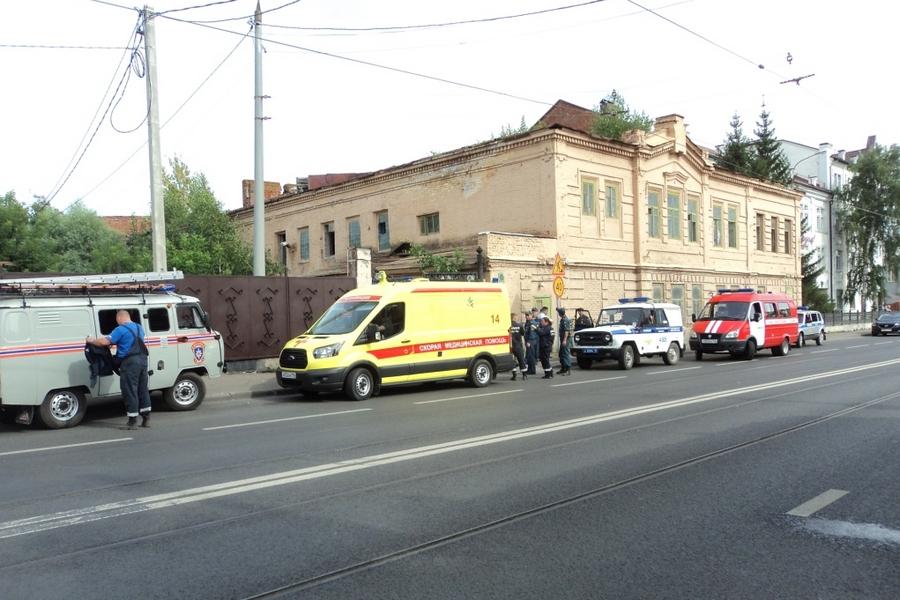 ВКазани обрушилось сооружение, мужчине переломало кости