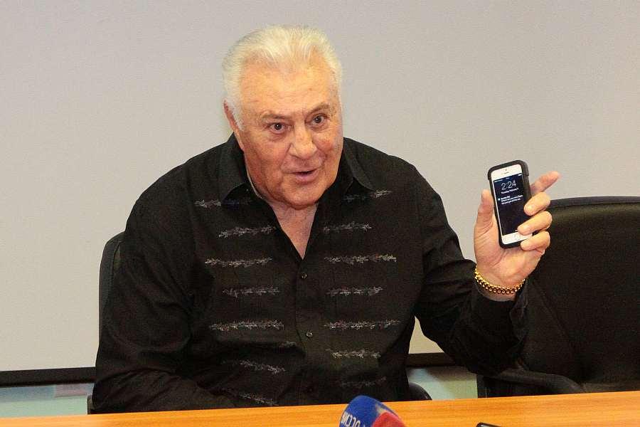 Фил Эспозито: «С Александром Якушевым мы выпили немало ...  Фил Эспозито В Молодости