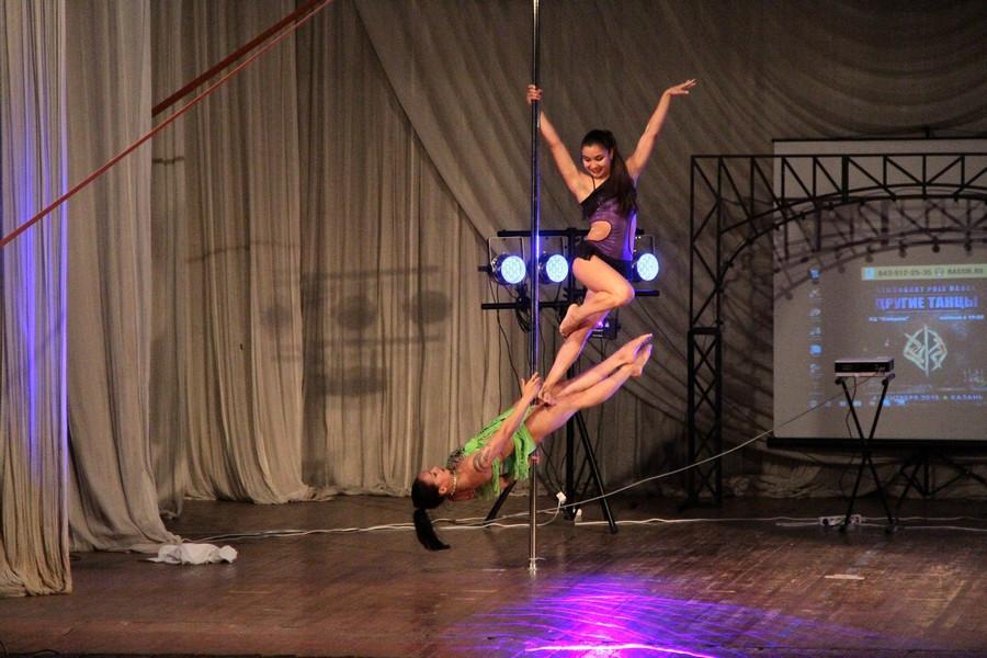 Стриптизерские танцы девушек