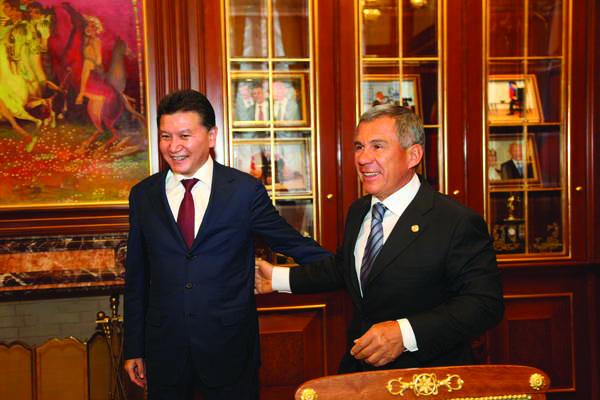 Патриарх Кирилл имуфтий Татарстана Самигуллин поздравили Рустама Минниханова