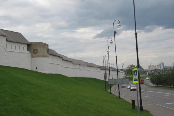 Кремлевский газон обновят... к Новому году