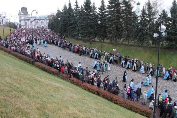 img_2431-600x400 Казань: крестный ход и русский марш прошли без эксцессов Люди, факты, мнения Татарстан