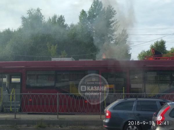 В Казани на ходу загорелся трамвай
