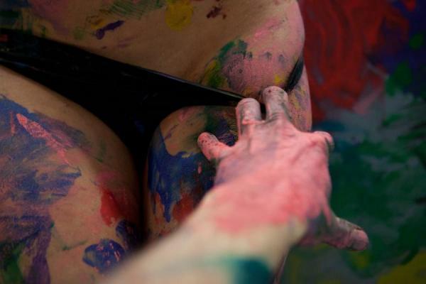 Рисунки голыми телами