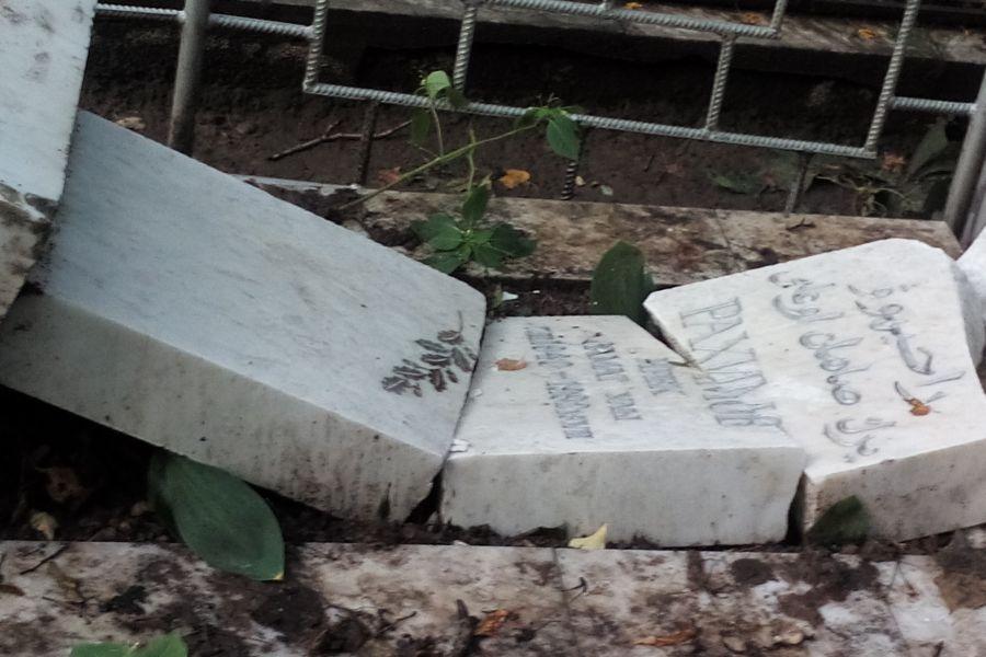 Неизвестные осквернили Ново-Татарское кладбище