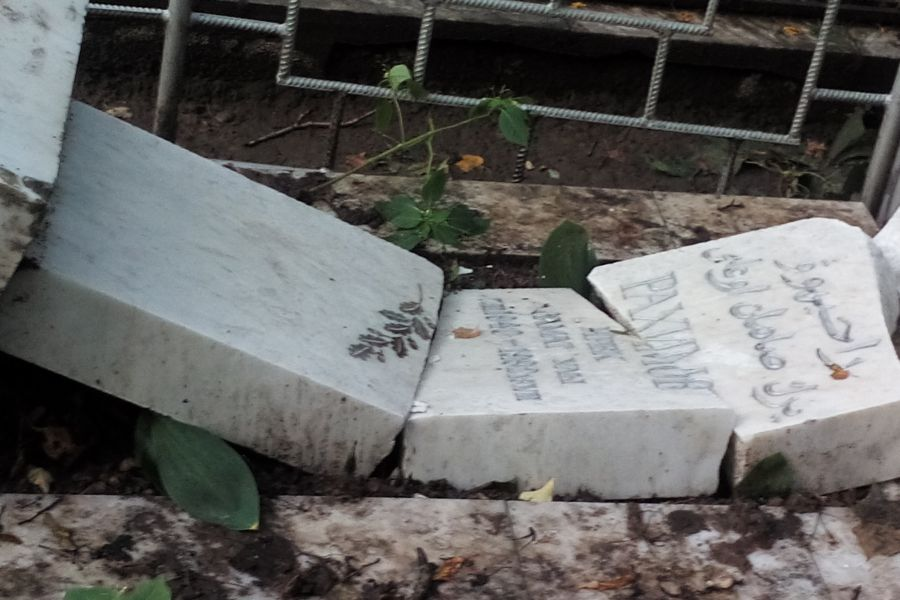 Вандалы разрушили около сотни надгробий накладбище вКазани