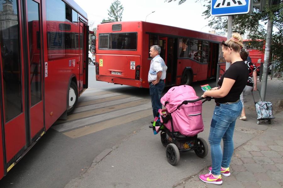 ВКазани пешеход умер под колесами автобуса