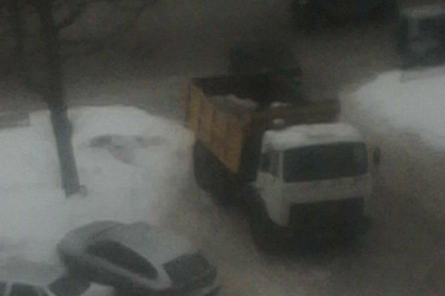 Вцентре Казани уборщика снега ранили ножом